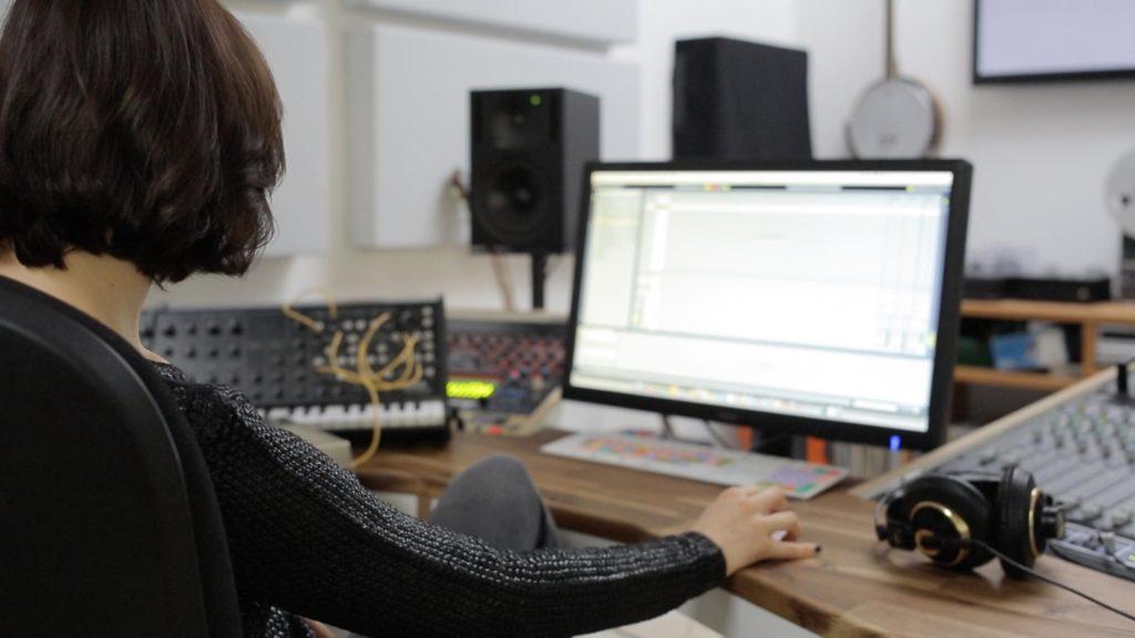 nina-kraviz-studio